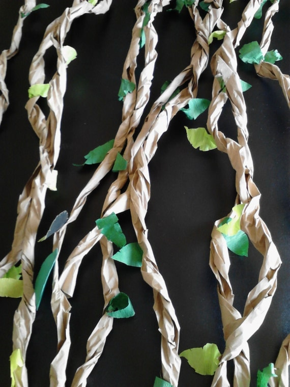 Items similar to jungle themed paper vines party decor on etsy for Decoration jungle