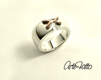 Woman ring in silver and gold
