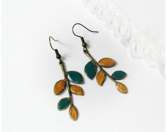 Fall Twig Earrings Ultramarine Green Honey Gold