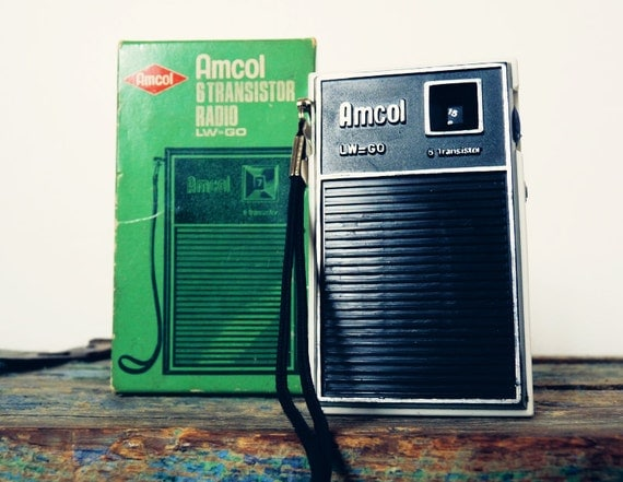 small vintage transistor radio amcol lw go 70s by. Black Bedroom Furniture Sets. Home Design Ideas