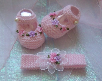 Hand knitted Baby Girls Mary Jane Booties and Matching Headband