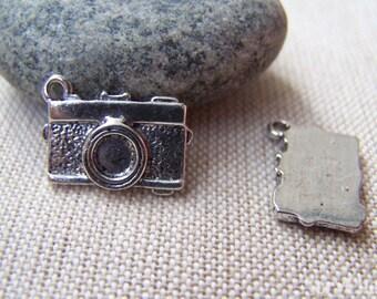 10 pcs of Tibetan Silver Antique Silver Camera Charms 13x17mm A1789