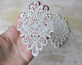 Pair of Cream Venice lace applique/ Medallion style lace/ Ivory/ Bridal couture/ Lace jewelry/ Altered couture/