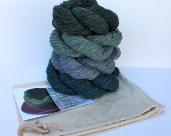 Spinning Yarns Weaving Tales -  Linen Stitch Cowl Knitting Kit - 'Summer Skies'