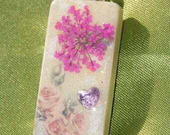 Altered domino tile pendant - flowers