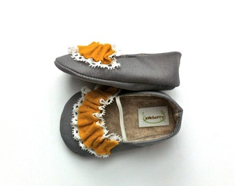 PENELOPE baby girl shoes.  Grey with yellow and lace ruffle