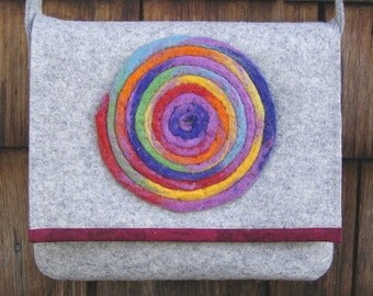 Shoulder bag made from felt