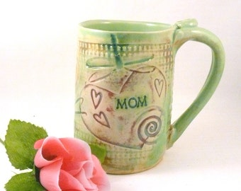 MOM Coffee Cup, Personalized teacup, Pottery Mug, Beer mug, Beer stein, gift for her, gift for woman, Dragonfly and hearts art, Ceramic Mug