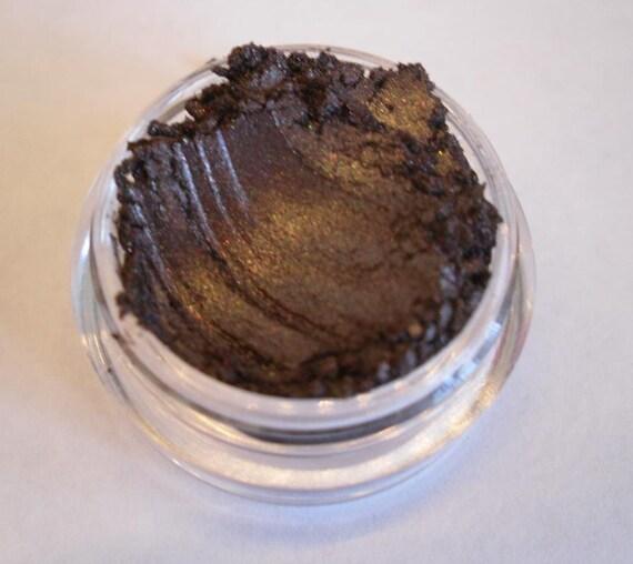 Chemical free eye makeup