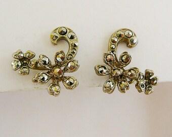 Vintage .. Earrings Signed Czechoslovakia Silver Tone Flower Swirl Screw-back