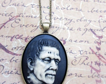 Frankensteins Monster necklace