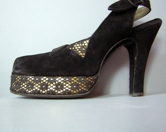 Peep Toe Platform High Heels Vintage 40s - Beleganti Hand Made Black & Lace over Gold Metallic - 5N
