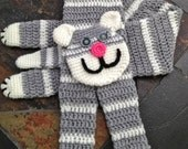 Crochet neck warmer Kitty the Huger Kawaii cat scarf Made to order