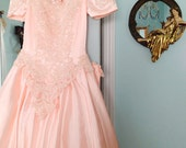 Vintage Light Pink Princess Dress. Poofy. Gown. Pearl. Lace. Bow. Prom. Sweet 16. Bridesmaid. Formal. Romantic. Size Small. 1980s.