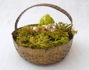 "Unique Vintage Ring Bearer ""Pillow"" Basket for Wedding"