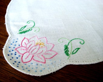 Vintage Embroidered Water Lily Table Linen, Embroidered Linen,  Water Lily Doily, Pink Water Lily Doilie