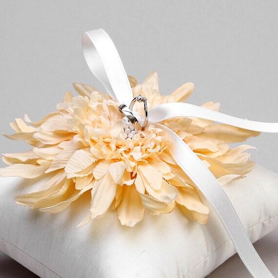 Ivory flower ring pillow, wedding ring bearer, ring pillow wedding - Evelyn