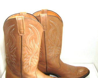 REDUCED Vintage Cowboy Boots, Size 10 B, Tan, Classic Western Rounded Toe Cuban Heel Fancy Stitching, Wild West Hoe Down, Horse Riding Boots