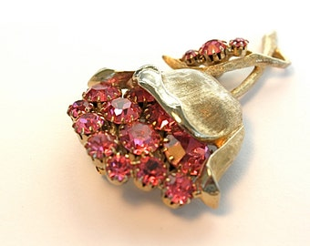 Vintage 50s Rhinestone Brooch Pink & Gold Metal Flower Pin