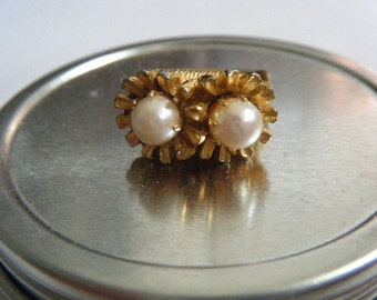 Double Pearl Ring Flowers Vendome Style Adjustable