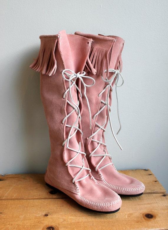 Vintage Blush Pink Lace Up Minnetonka Boots