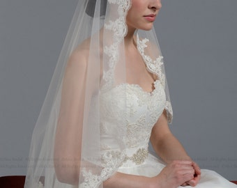 Mantilla bridal wedding veil white 50x50 fingertip alencon lace