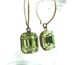 Simple Stunners Earring, Swarovski Crystal in Peridot Green, Handmade Jewelry