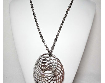 Silver Plated Multi-Swirl Pendant necklace  Apparel & Accessories Jewelry Vintage Jewelry Necklace