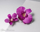 2 Orchid Bobby Pins, Dendrobium Hair Clips in Cream White with green or purple . Bridal Flower Hair Combs, Fascinators