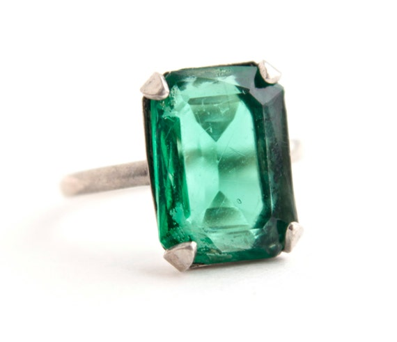 Vintage Art Deco Emerald Green Ring Sterling Silver 1930s