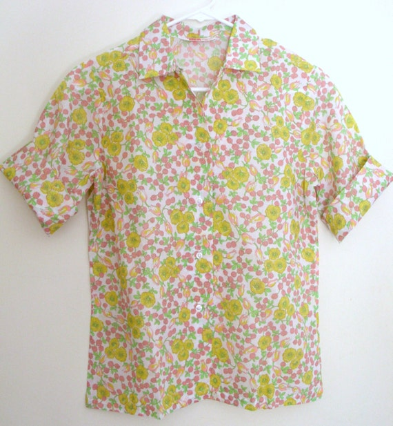 1960's blouse Laura Mae life press / floral spring summer button down top shirt roll short sleeves 34 36