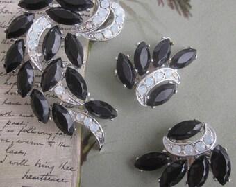 "SARAH COVENTRY ""Vienna"" Black & Silver Swirl Leaf Brooch Earrings Set    HDK15"