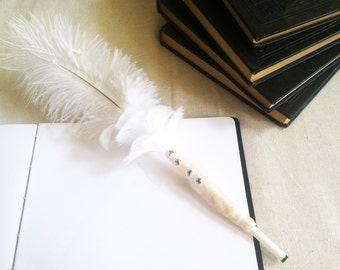 Wedding Guestbook Pen // Decorative White Feather Pen