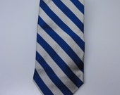 Brooks Brothers Blue and White Striped silk tie