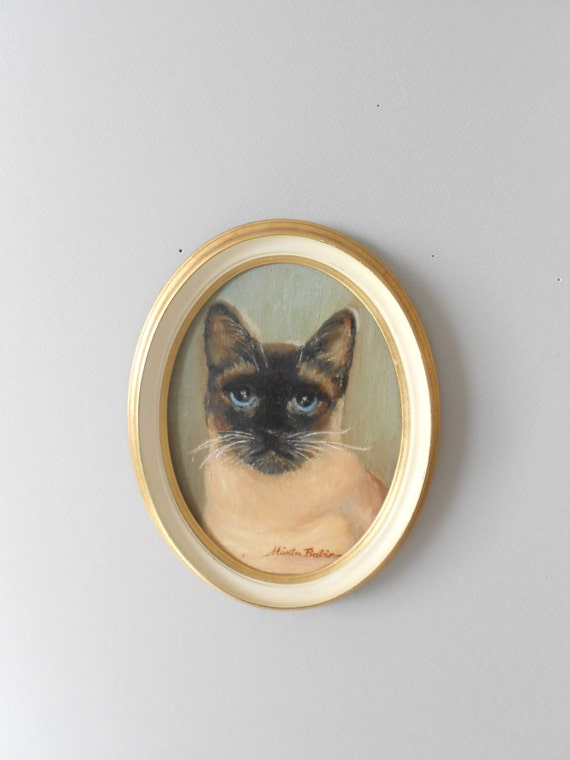 1960s original oil painting of a siamese cat // oval framed wall hanging