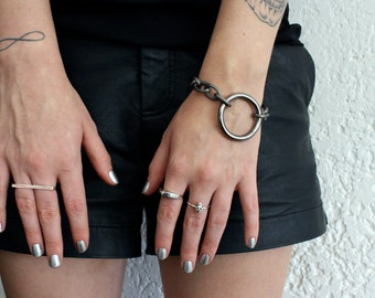 Heavy Circle Gunmetal Bracelet - black metal bracelet - statement bracelet - industrial bracelet - circle bracelet - gunmetal bracelet