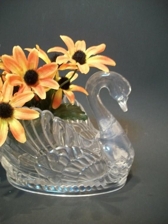 Vintage regaline clear plastic swan swan vase or planter - Plastic swan planter ...