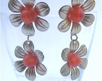 Vintage Orange Post Danling Earrings Daisy Earrings Orange Flower Power Earrings Vintage Tangerine Retro Earring Orange Daisy Dangling Frost