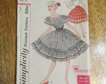 1950s SQUARE Dance Blouse with Dirndl Skirt - SIMPLE to Make - Size 16 - VINTAGE Sewing Pattern Simplicity 3295