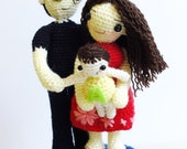 PATTERN :  Family portrait  father, mother and baby