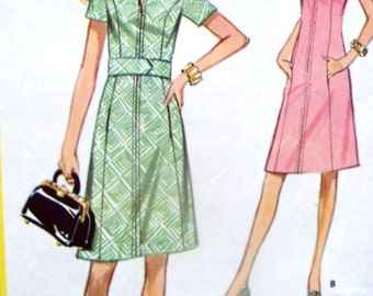 Shirtdress Day Dress Sewing Pattern vintage 60s 70s Mad Men Megan Draper Jackie O Rosemarys Baby A line collar belt McCalls 2714 women small
