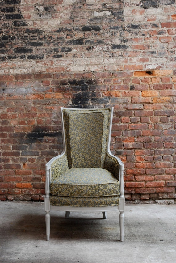 A Beautiful Vintage Chair With New Upholstery & Finish / Free Curbside Delivery NYC