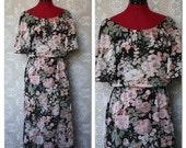 Clearance Sale! Vintage 1970's 80's romantic floral print disco dancing summer dress M/L