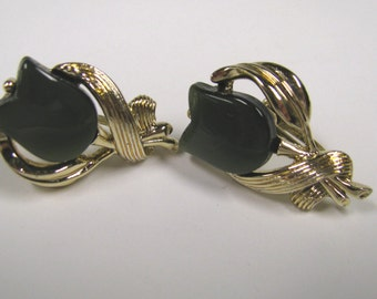 Vintage Dark Green Lucite Moon Glow Tulip Non Pierced Earrings in Gold tone metal, Signed Star
