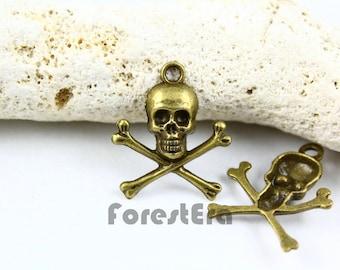 10Pcs 20x20mm Antique Brass Skull Charm Pendant (PND015)