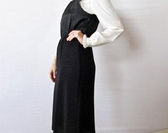 Vintage 60s Dress . Leslie Fay Knit Shift Dress. Size Medium
