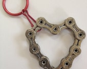 UPCYCLED Bicycle Chain HEART 4 Keychain - Enjoy the Ride