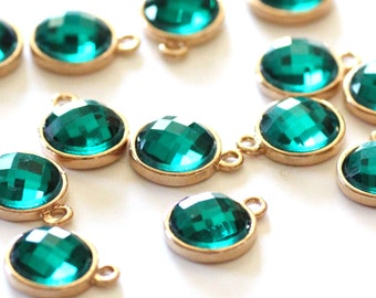 SALE Gold Vermeil - Emerald Green Round Pendants - Faceted Glass  - 15x12mm - 2pcs - Ships IMMEDIATELY from California - GEM25