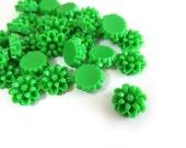 20 Pcs - 12mm Grass Green, Sunny Yellow or Mixed Flower Cabochons