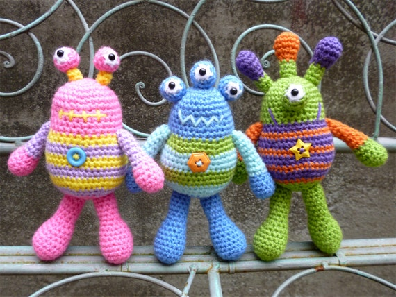 Amigurumi Monster Patterns : Bug Eyed Monsters Amigurumi Crochet Pattern Tarquin Theodore